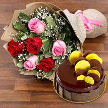 Beautiful Roses Bouquet With Chocolate Fudge Cake: Birthday Gifts